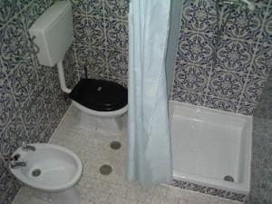 ca_toilet